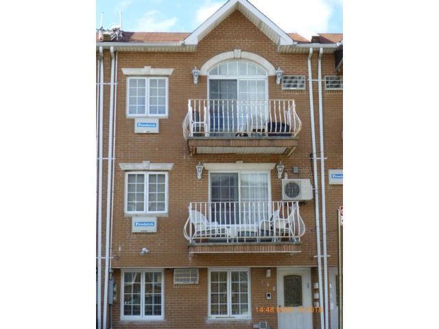 [Bensonhurst Real Estate, listing number 6810941]