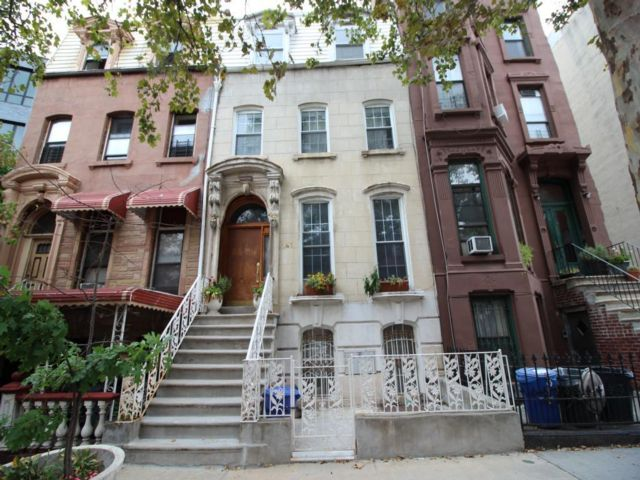 6 BR,  4.00 BTH   style home in Clinton Hill