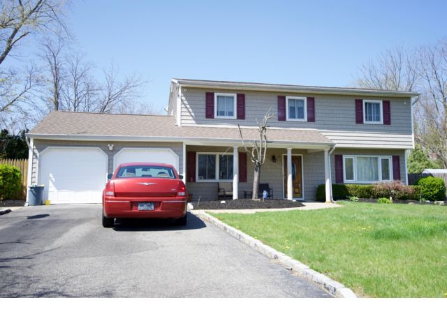 5 BR,  2.50 BTH  Colonial style home in Dix Hills