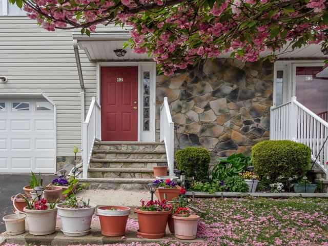 3 BR,  2.50 BTH Townhouse style home in Somerset