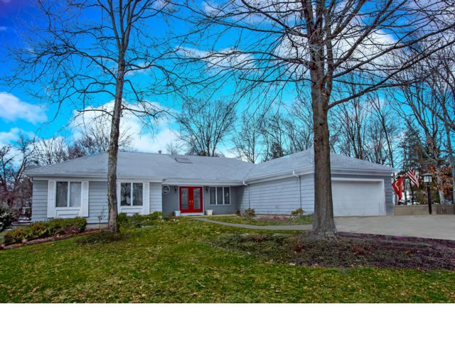 3 BR,  3.00 BTH Ranch style home in Somerset