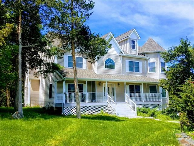 5 BR,  4.00 BTH Colonial style home in Monroe