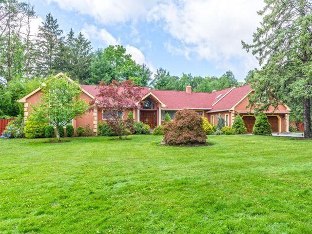 [Thornwood Real Estate, listing number 6817001]