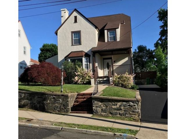 3 BR,  1.50 BTH Colonial style home in Port Chester