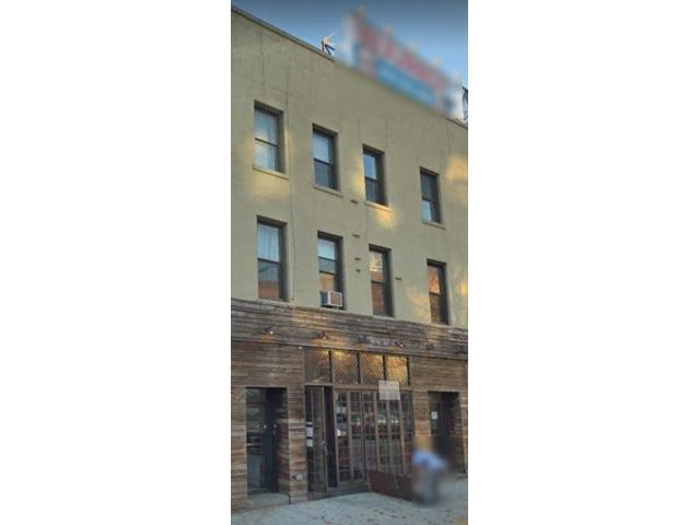 3 BR,  1.00 BTH  Rental style home in Park Slope