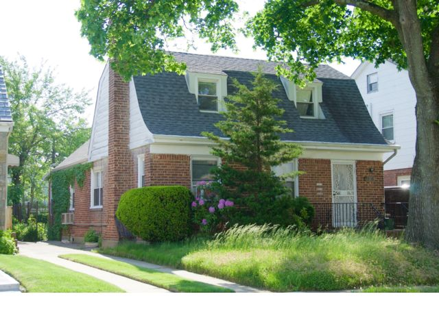 4 BR,  2.00 BTH  Cape style home in Fresh Meadows