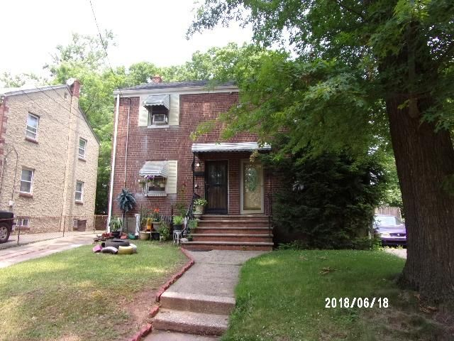 2 BR,  1.00 BTH  Duplex style home in Rahway