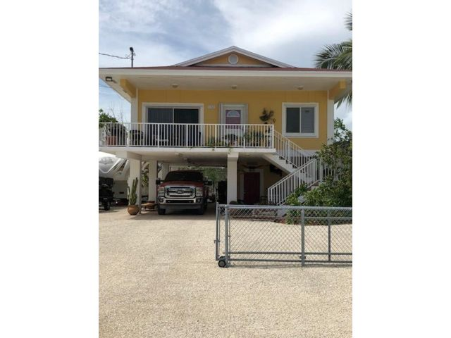 3 BR,  2.00 BTH  style home in Key Largo