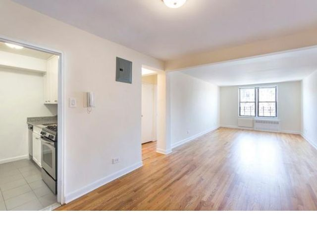 2 BR,  2.00 BTH Apartment style home in Kew Gardens
