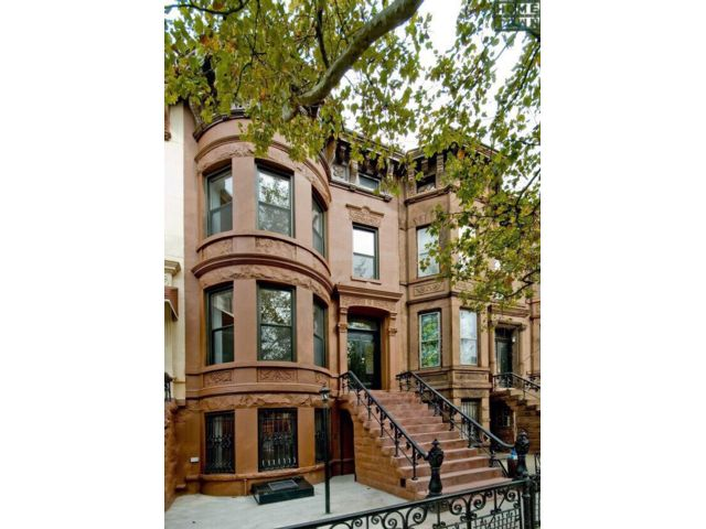 7 BR,  4.00 BTH  Brownstone style home in Brooklyn