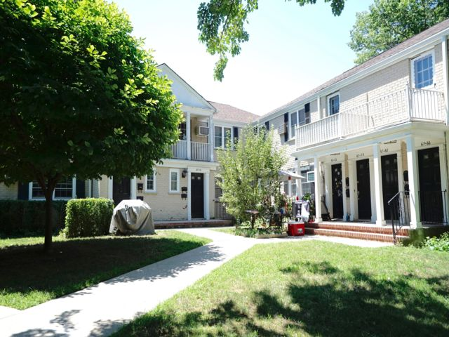 3 BR,  1.00 BTH Co-op style home in Bayside