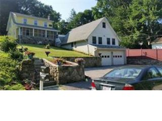 5 BR,  3.00 BTH Colonial style home in Chappaqua