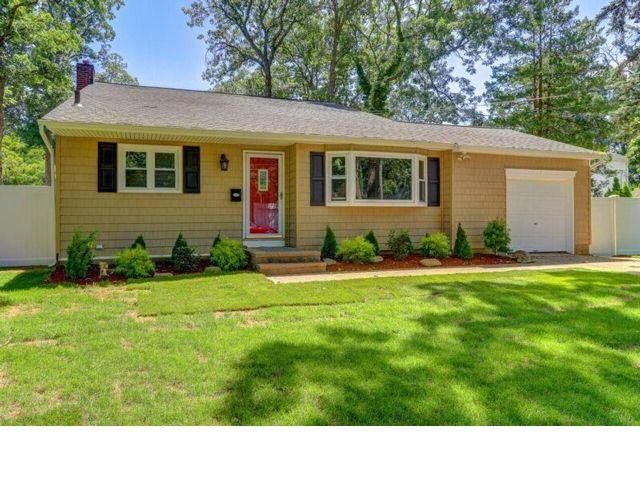 [Massapequa Real Estate, listing number 6832864]