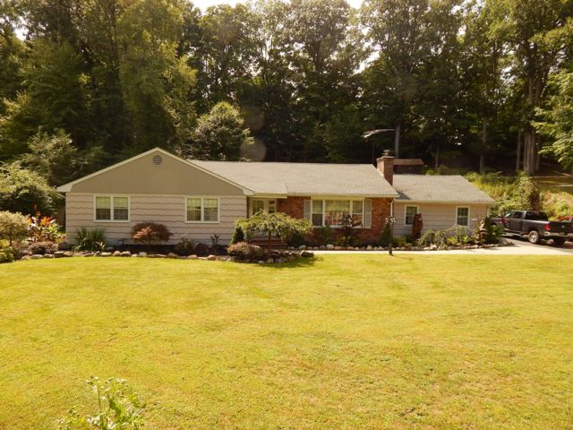 4 BR,  2.00 BTH  Exp ranch style home in Wayne