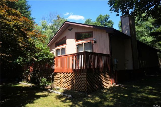 2 BR,  3.00 BTH Raised ranch style home in Smallwood