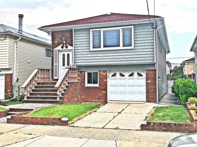 [Howard Beach Real Estate, listing number 6834458]