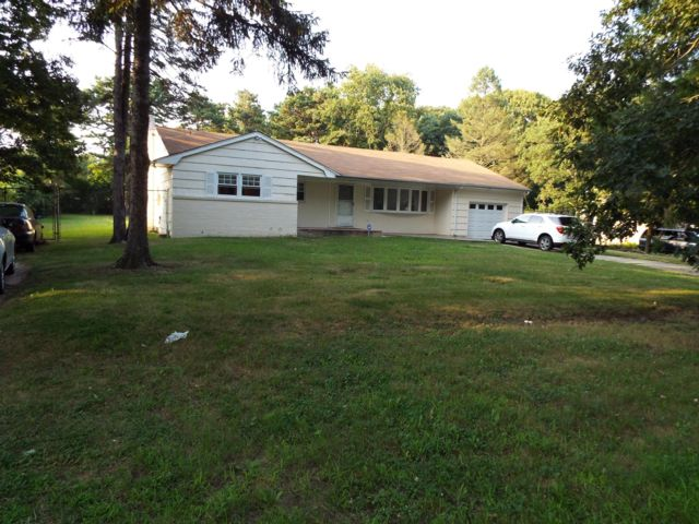 [Central Islip Real Estate, listing number 6834879]