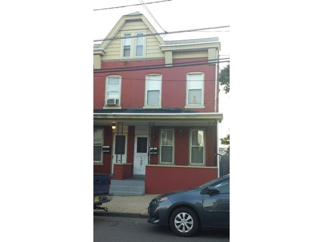 3 BR,  1.00 BTH Colonial style home in Trenton