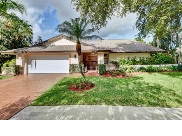 4 BR,  2.50 BTH  Ranch style home in Boca Raton