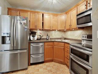 2 BR,  1.00 BTH  Condo style home in Des Plaines