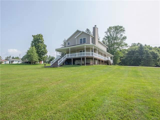 3 BR,  2.50 BTH Colonial style home in Callicoon