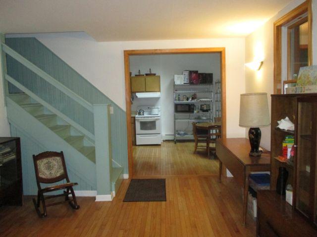 [Hunter Real Estate, listing number 6838712]