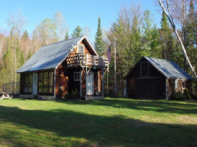 Lot <b>Size:</b>  Waterfront style home in Saranac
