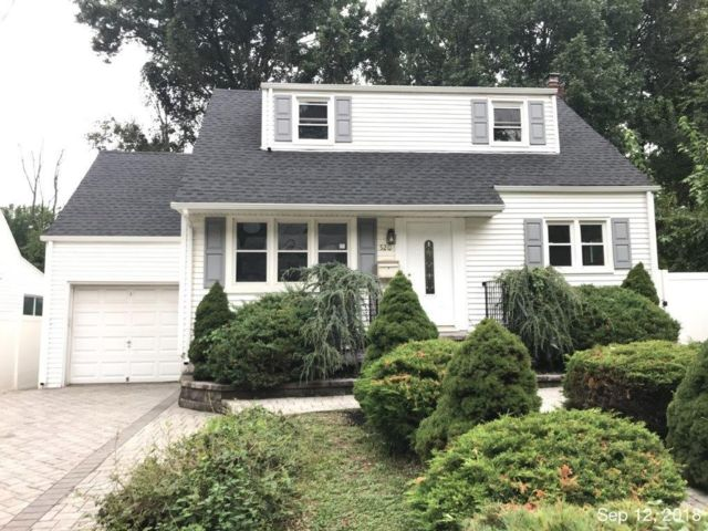 3 BR,  2.00 BTH Cape style home in Roselle
