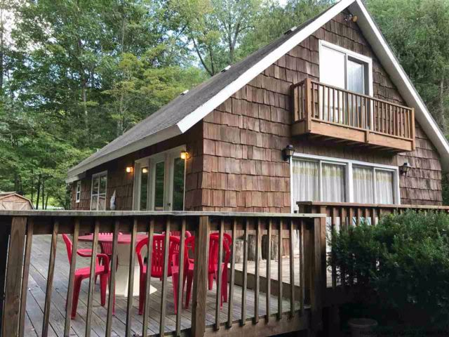 3 BR,  1.00 BTH Chalet style home in Lanesville