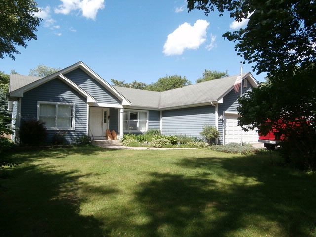 3 BR,  2.00 BTH  Ranch style home in Medinah