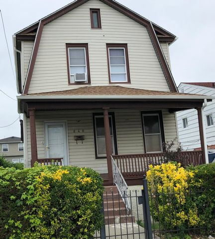 [Arverne Real Estate, listing number 6843956]
