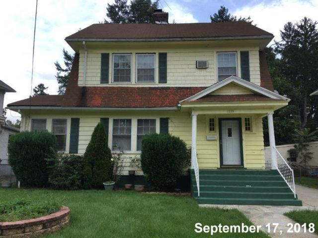 2 BR,  1.00 BTH Colonial style home in Plainfield