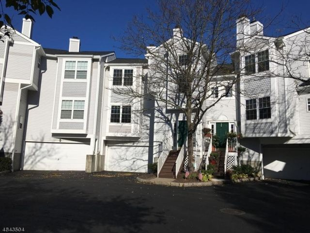 2 BR,  2.50 BTH  Townhouse style home in Whippany