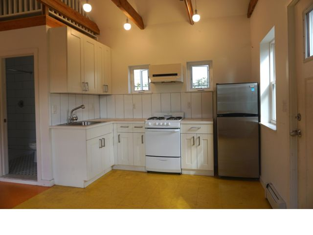 3 BR,  2.00 BTH Bungalow style home in Bayswater