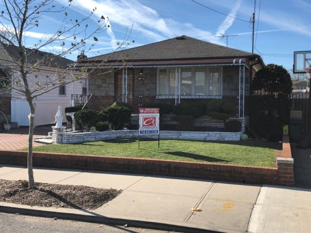 [Howard Beach Real Estate, listing number 6848952]