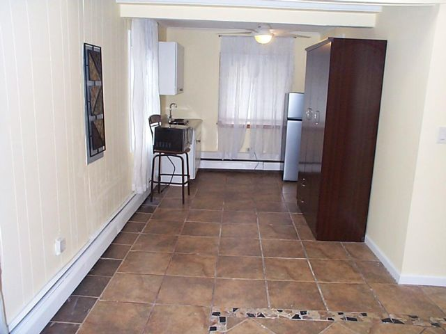 Studio,  1.00 BTH Apartment style home in Levittown