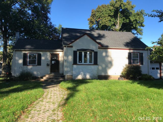 4 BR,  2.00 BTH Cape style home in Scotch Plains