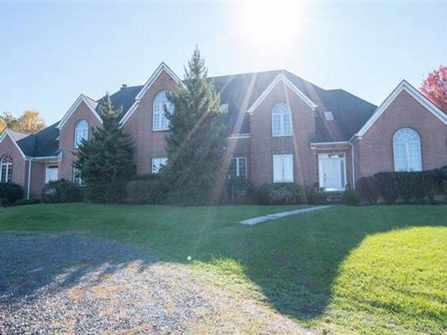 5 BR,  6.00 BTH  Arts&crafts style home in Blooming Grove