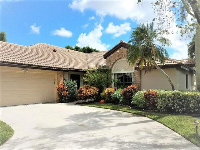 3 BR,  2.50 BTH  style home in Plantation