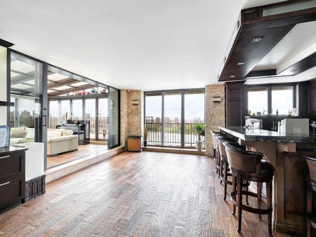 1 BR,  1.50 BTH Condo style home in Astoria