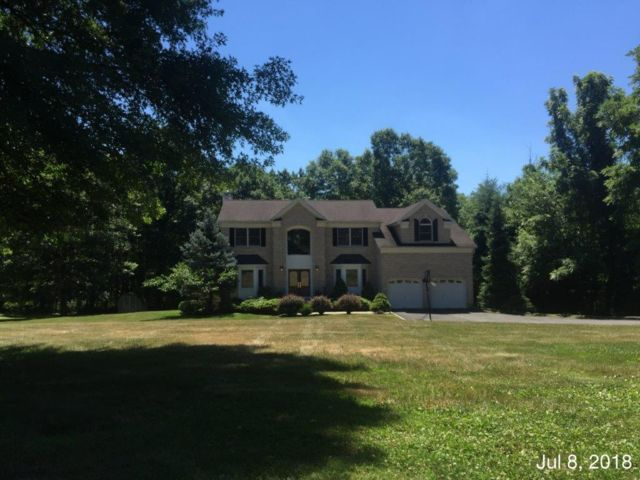 4 BR,  2.50 BTH  Colonial style home in Chatham