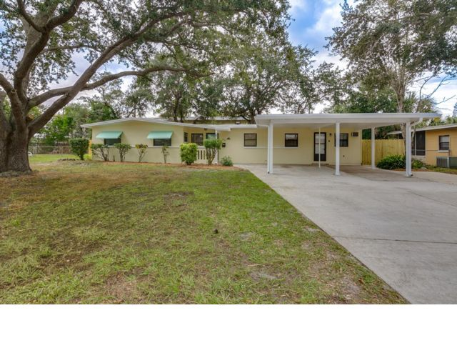 3 BR,  2.00 BTH Post modern style home in Titusville