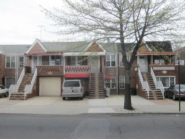7 BR,  3.00 BTH  2 story style home in Brooklyn