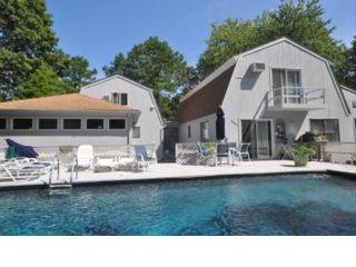 5 BR,  3.50 BTH Barn style home in East Hampton