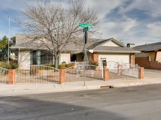 4 BR,  2.00 BTH Bungalow style home in Henderson