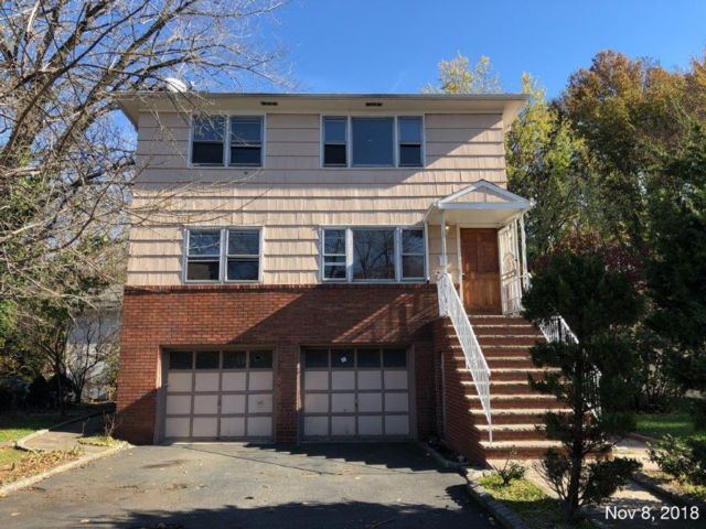 6 BR,  3.00 BTH  Duplex style home in Rahway