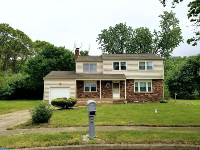 4 BR,  2.50 BTH  Colonial style home in Waterford Works