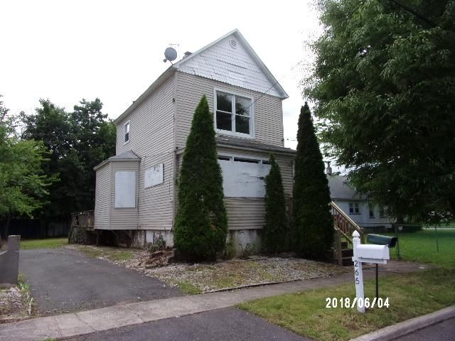2 BR,  1.00 BTH  Colonial style home in Rahway