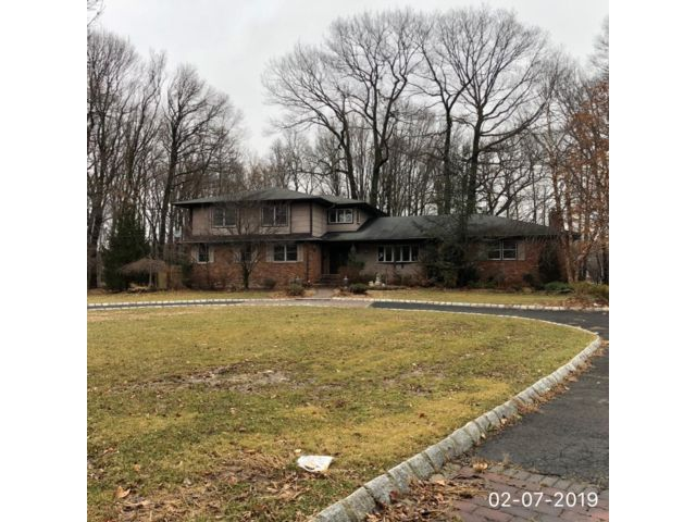 5 BR,  5.55 BTH  Split-level style home in Scotch Plains