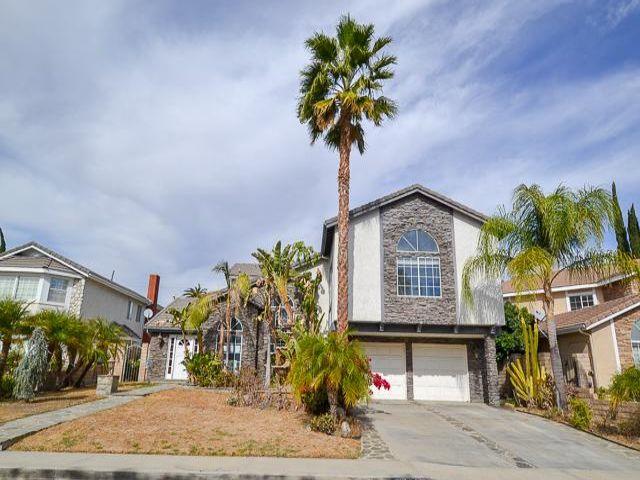 4 BR,  3.50 BTH  style home in Northridge